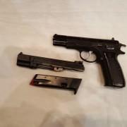 Pistola CZ y conversor