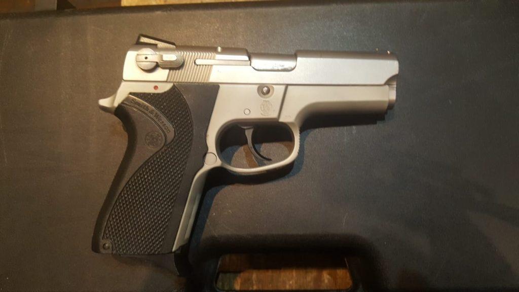 Pistola S-Wesson modelo 6906 9 pb